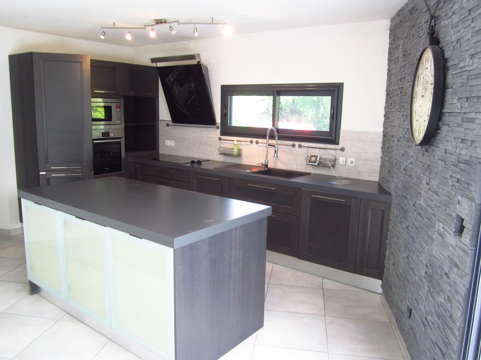 """EXCLUSIVITE St Julien-en-Genevois Appartement T3 en RDJ aux avantages d'une maison ( une """"Maisappart"""" ) SOUS COMPROMIS"""