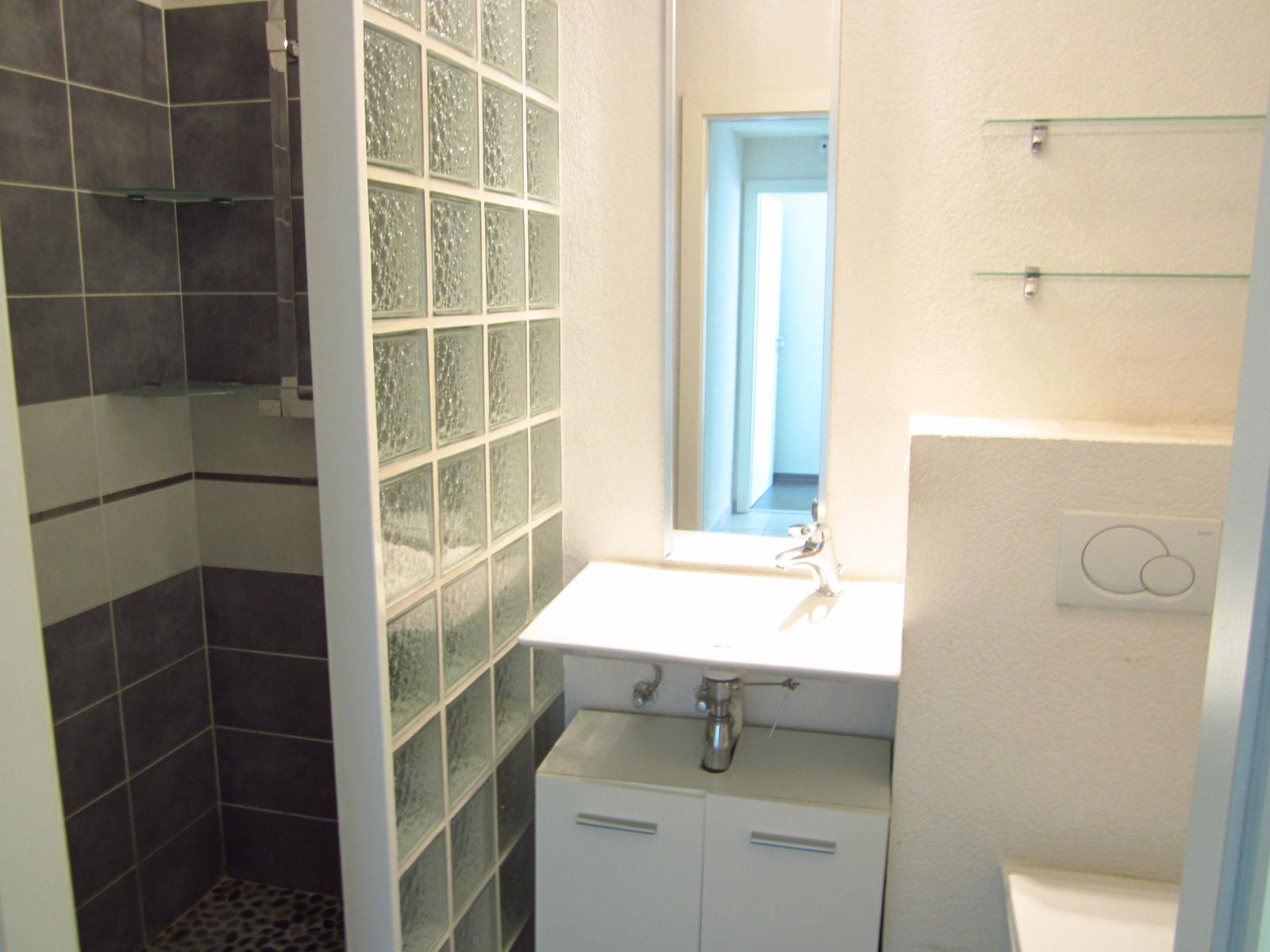 """EXCLUSIVITE St Julien-en-Genevois Appartement T3 en RDJ aux avantages d'une maison ( une """"Maisappart"""" )"""