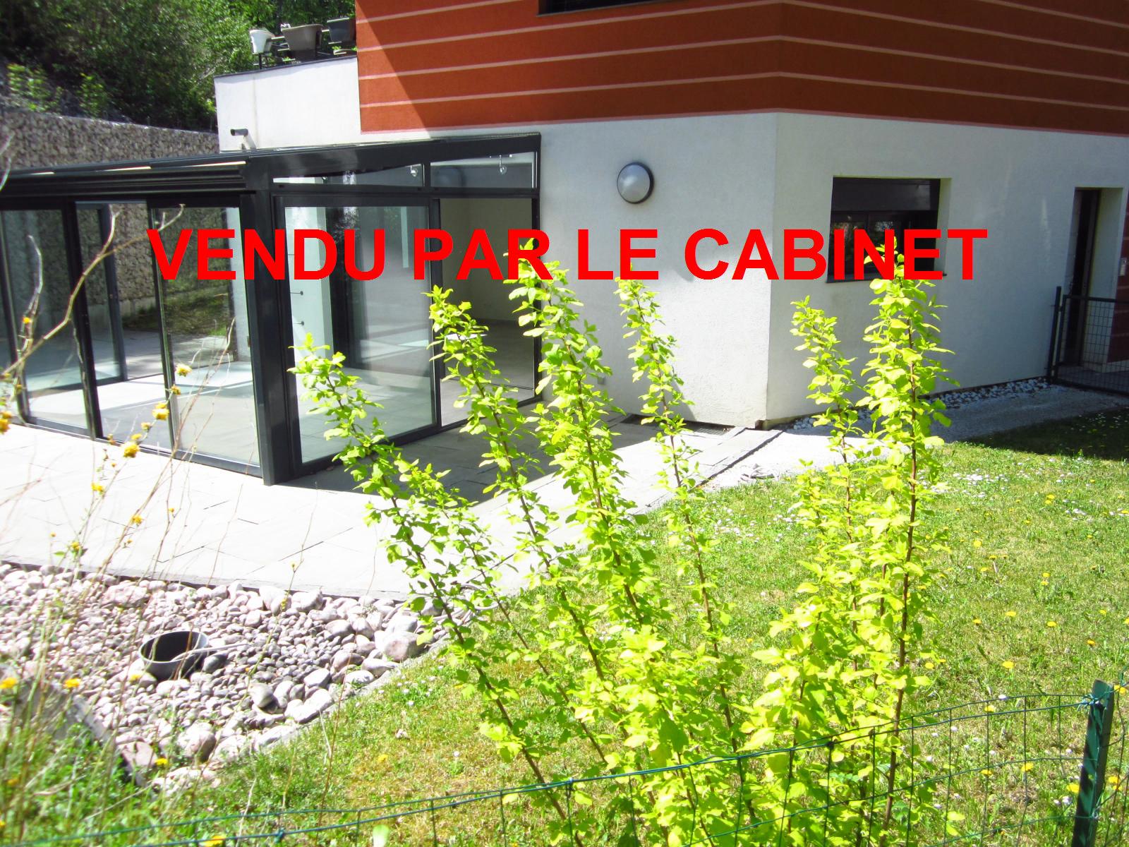 """EXCLUSIVITE St Julien-en-Genevois Appartement T3 en RDJ aux avantages d'une maison ( une """"Maisappart"""" ) VENDU PAR LE CABINET"""