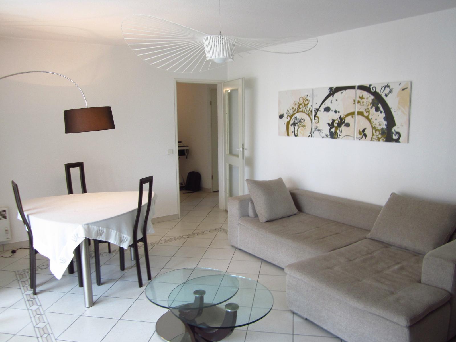 """EXCLUSIVITE St Julien-en-Genevois Résidence """"Les Cyclades II"""" agréable T3 de 77 m² en étage élevé.."""