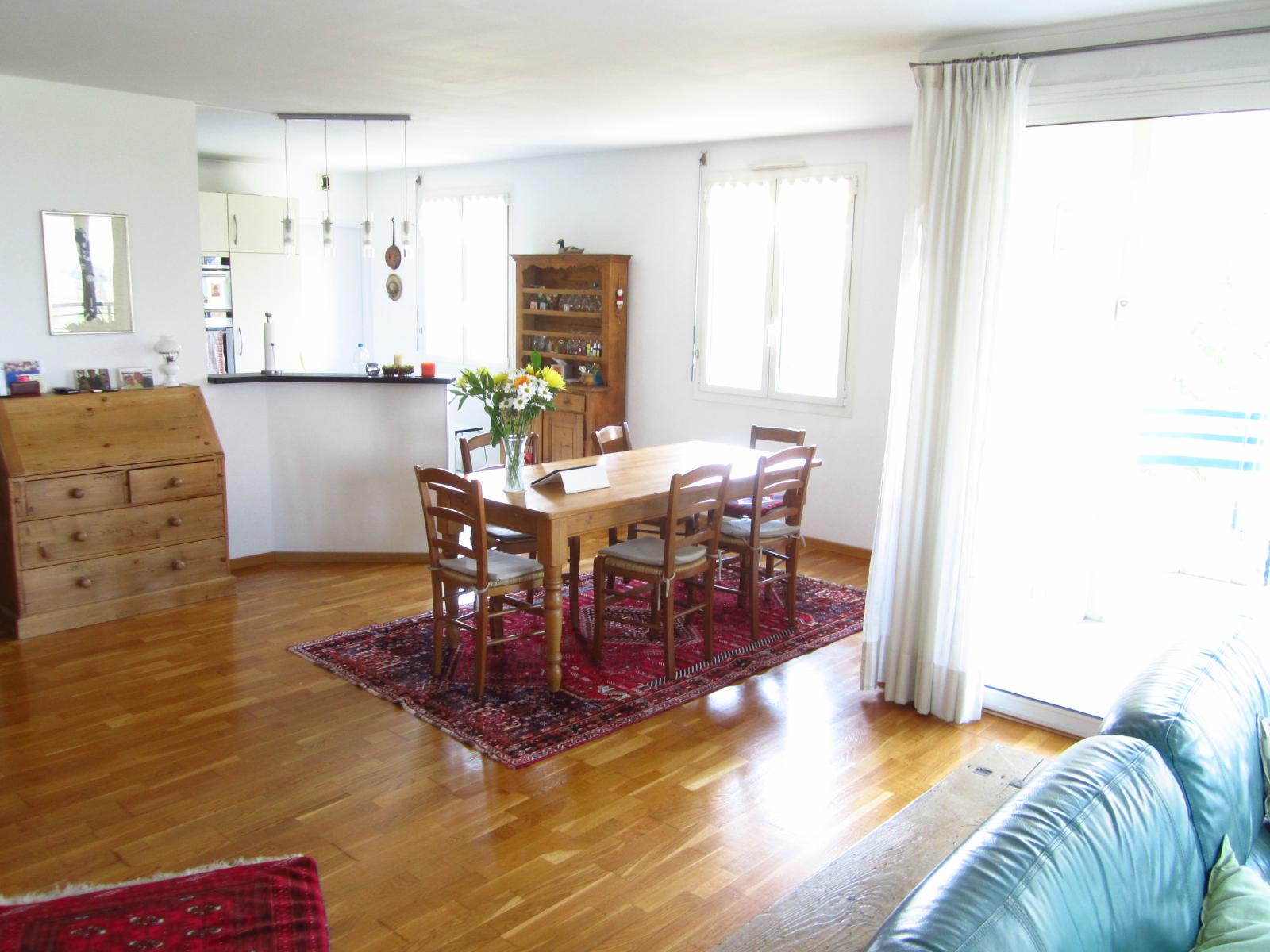EXCLUSIVITE St Julien-en-Genevois vaste T4 de 125 m² en étage dans résidence de standing: Les Cyclades III   VENDU PAR LE CABINET