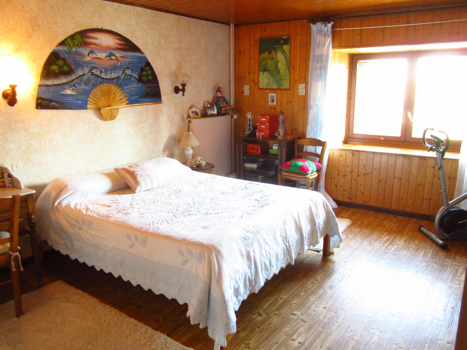 EXCLUSIVITE Viry Appartement T4 de 104 m² + appartement T2 de 65 m² + annexes de 50 m²...