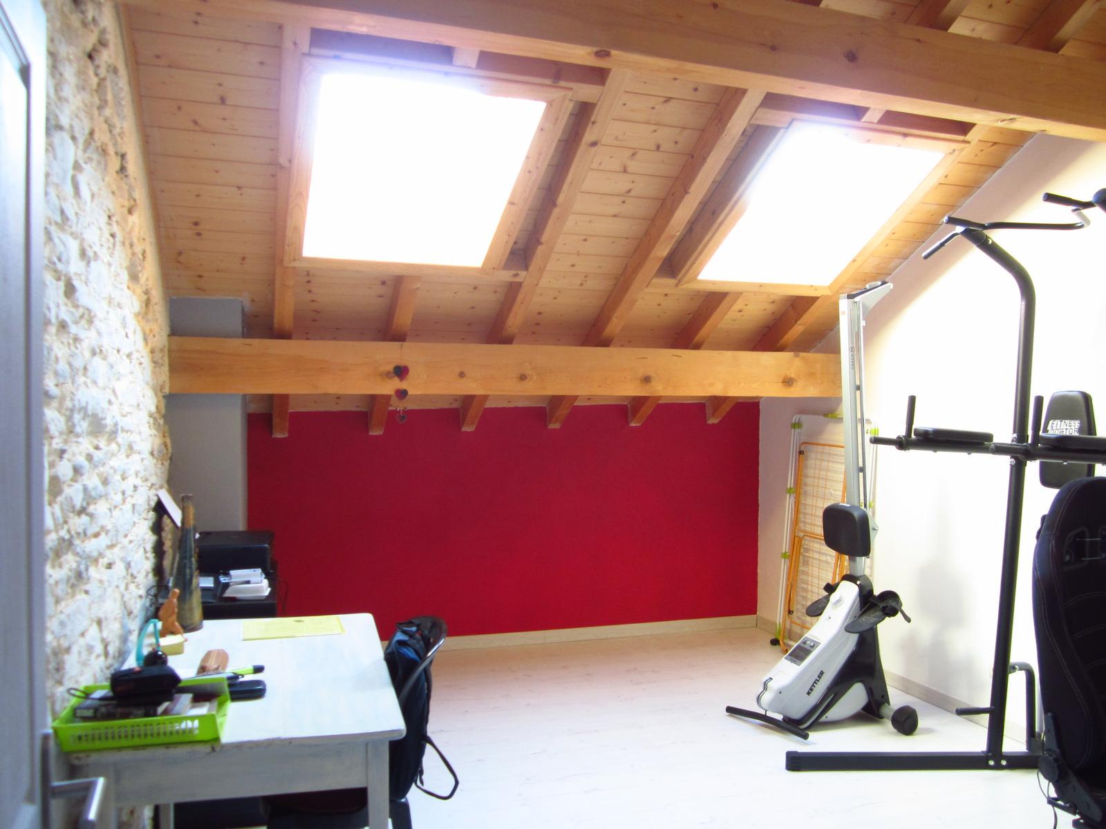 EXCLUSIVITE Viry Appartement T4 duplex de 130 m² loi Carrez + atelier de 20 m² + jardin de 337 m²