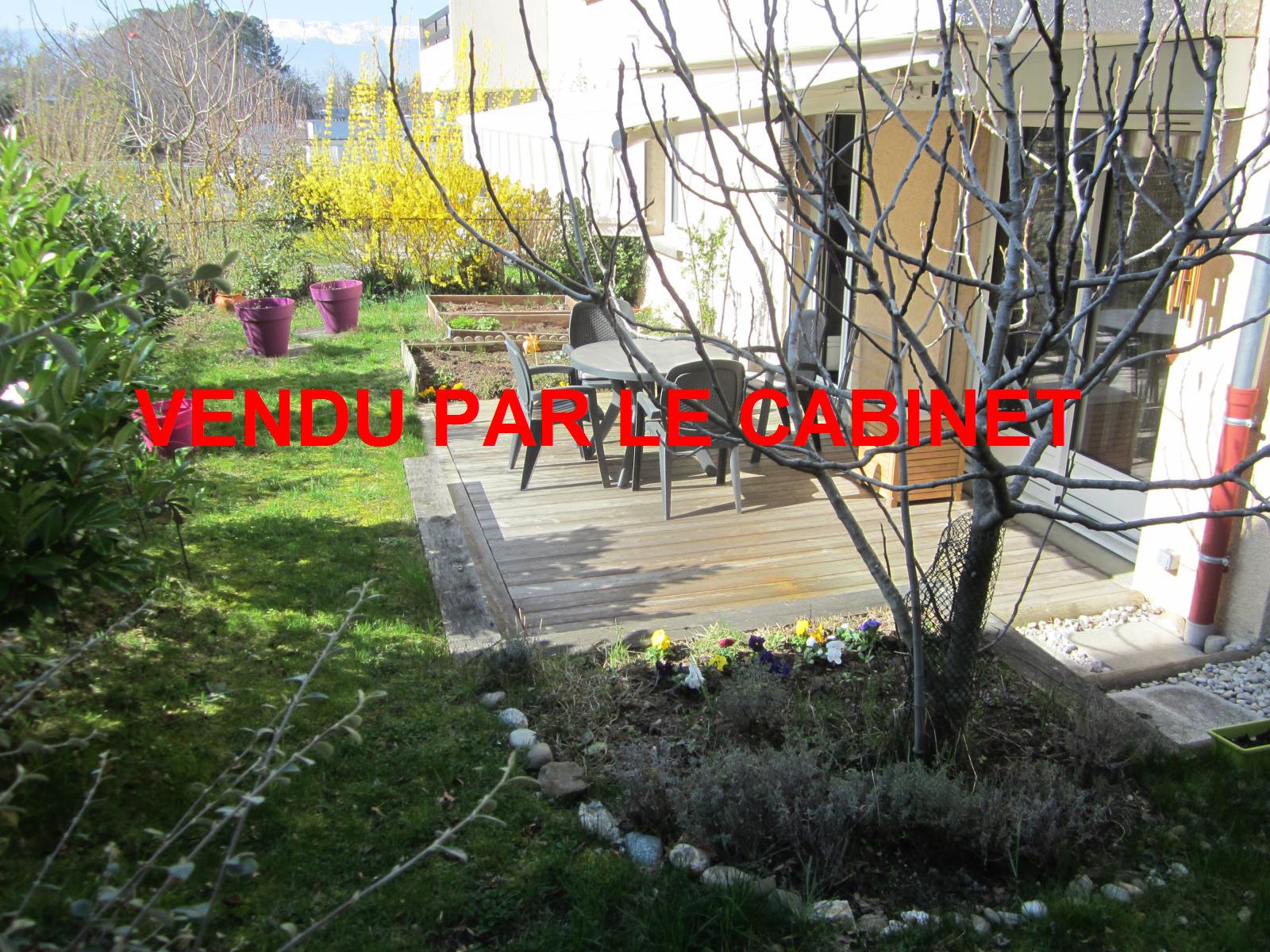 EXCLUSIVITE St Julien-en-Genevois Appartement T2 en Rez-de-Jardin, état impeccable et situation idéale ! VENDU PAR LE CABINET
