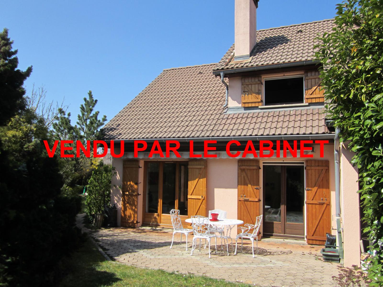 EXCLUSIVITE St Julien-en-Genevois Maison mitoyenne d'un côté idéalement située...VENDU PAR LE CABINET