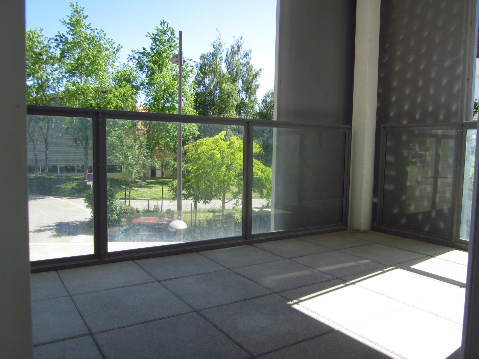 St Julien-en-Genevois Agréable T4 contemporain de 81 m² plus terrasses dans résidence récente...