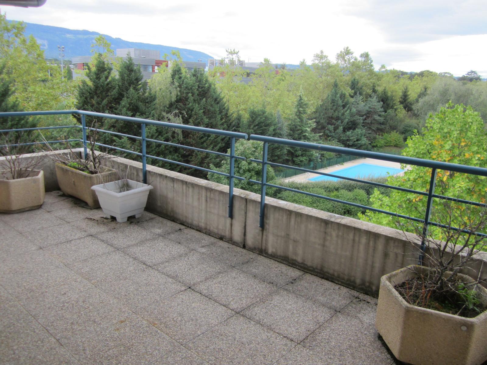 A vendre st julien en genevois vaste appartement t5 6 duplex de 213 m r sidence les cyclades - Piscine saint julien en genevois ...